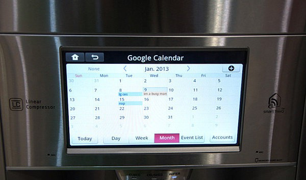 LG-smart-fridge-displays-the-Google-calendar