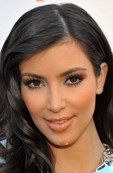 top-9-celebrities-makeup-disasters-kim-kardashian1-368x560